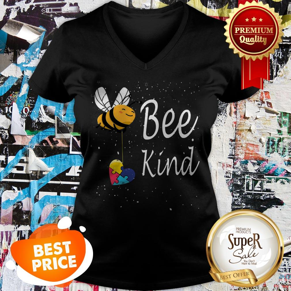 Nice Puzzle Autism Awareness Bee Kind V-neck